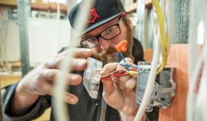 Residência-na-NZ-Carpinteiros-Eletricistas-Pintores-Encanadores
